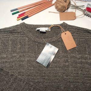Men's Geoffrey Beene Sweater For Sale.
